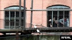 Около месяца назад из цхинвальской тюрьмы просочилась информация о том, что Минюст переходит на российские правила внутреннего распорядка исправительных учреждений