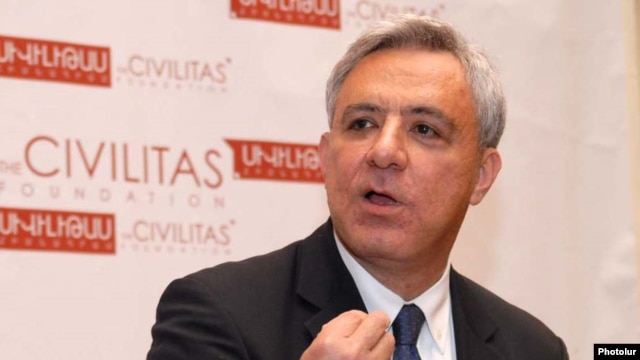 Armenia -- Former Foreign Minister Vartan Oskanian speaks at his Civiltas Foundation.
