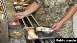 Харчування солдатів (у військовій частині)