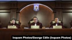 CCR a discutat sesizările de neconstituționalitate privind Codul Administrativ și legea de modificare a OUG 114, precum și un posibil conflic juridic Parlament-Guvern pe legea bugetului