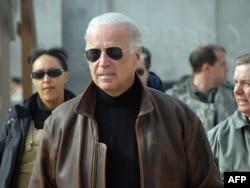 Wakil Presiden terpilih Joe Biden di Kandahar, Afghanistan, pada 11 Januari 2009.