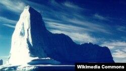 Гренландиядагы айсберг.