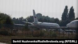 Літак під номером RSD092, зазвичай, перевозить російських посадовців, Бориспіль, 7 вересня 2019 року