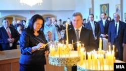 Претседателот Ѓорге Иванов и неговата сопруга Маја Иванова на неделната литургија во црквата Св.Никола во Тотова, Њу Џерси.