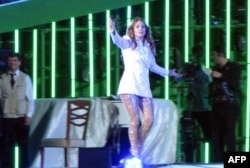 Jennifer Lopez performs in Avaza on June 29.