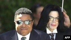 تيتو جکسون و برادر کوچک ترش مايکل جکسون