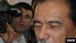 Takijistan -- Interior Minister Abdurakhim Kakharov at Shohmansur Police Station, Dushanbe, 19Aug2010