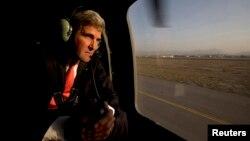 АҚШ мемлекеттік хатшысы Джон Керри. Кабул, Ауғанстан, 11 қазан 2013 жыл.