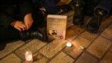 Чтение запрещенной книги при свечах в день вынесения решения. Киев, 20 октября