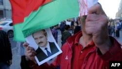 Прыхільнік Лукашэнкі на пікеце 10 верасьня