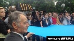 Мустафо Ҷамилев дар солгарди бадарғаи тоторҳо дар Киев