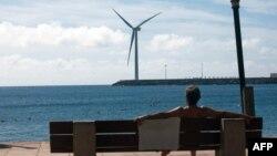 Pe o plajă în Spania