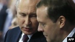 Vladimir Putin dhe Dmitry Medvedev