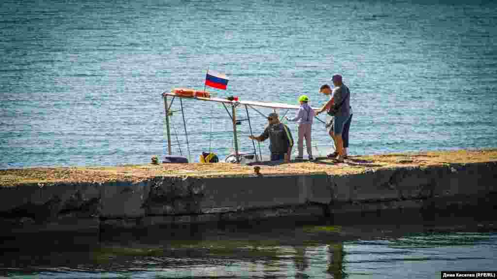 В поселке можно заказать морскую экскурсию
