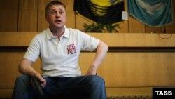 В'ячеслав Пономарьов дає прес-коференцію російським журналістам у Слов'янську, 12 травня 2014 року