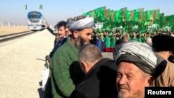 Türkmenistany Owganystan bilen birleşdirýän täze demir ýoluň açylyş dabarasy, Akina, 28-nji noýabr, 2016.
