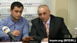 Крымскотатарские активисты Ридван Джаббаров (слева) и Ремзи Чарухов на пресс-конференции