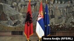 Zastave Albanije, Srbije i EU