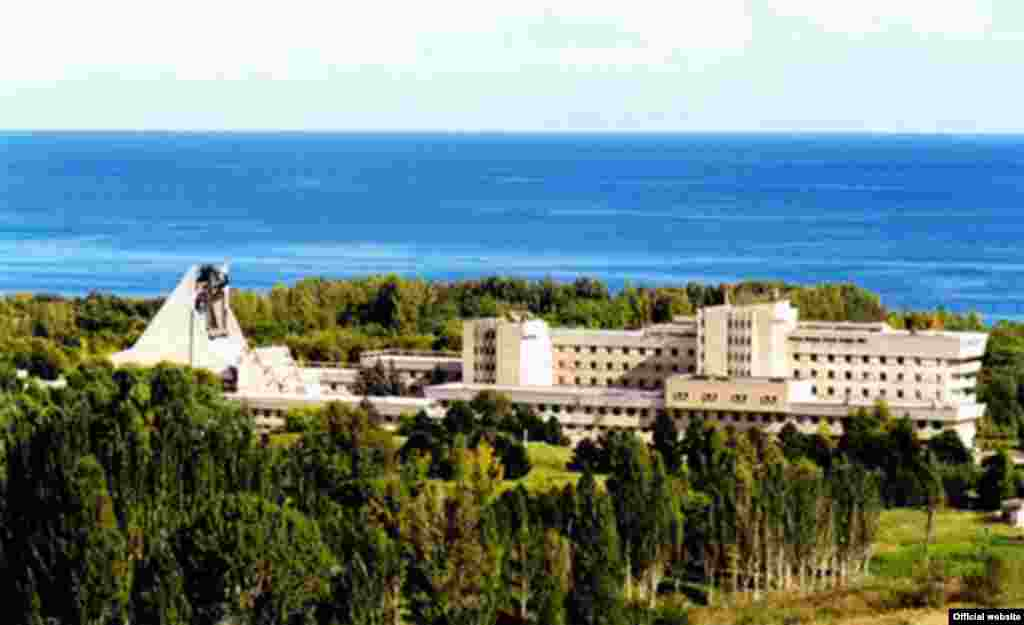 The Aurora sanatorium beside Lake Issyk Kul