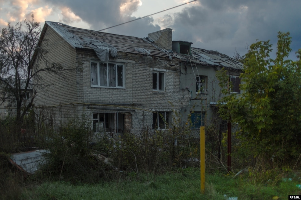 A building in a once middle-class part of Maryinka, which was previously occupied by the separatists, now sits empty. Inside is an unexploded artillery shell that soldiers fear could detonate if they enter.