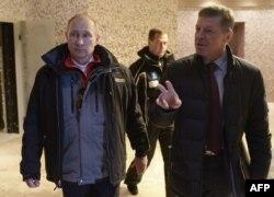Зліва направо: Володимир Путін і Дмитро Козак (архівне фото)
