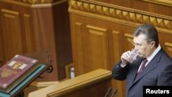 Украинскиот претседател Виктор Јанукович на првата седница на Парламентот