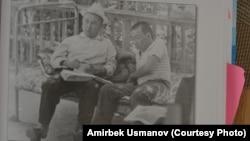 Ж. Мукамбаев сөз жыйнап жүрөт