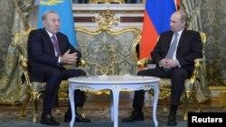 Қазақстан президенті Нұрсұлтан Назарбаев пен Ресей президенті Владимир Путиннің кездесуі. Мәскеу, 24 желтоқсан 2013 жыл.