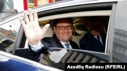 Na kraju petogodišnjeg mandata Oland u Francuskoj ostavlja sve popularniju ekstremnu desnicu za koju je na predsedničkim izborima glasalo 10,6 miliona Francuza