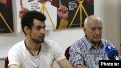 Րաֆֆի Մովսիսյանը (ձ) և Միքայել Ստամբոլցյանը լրագրողների հետ հանդիպմանը, 22-ը հունիսի, 2016 թ․