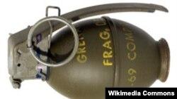 Как с трудом рассказывает Гоча Джалагония, жизнь ему спасла старая военная привычка быстро падать при щелчке гранаты
