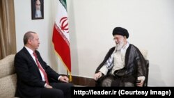 Turkish President Recep Tayyip Erdogan (L) meeting Iranian Supreme Leader Iran's supreme leader Ayatollah Ali Khamenei in Tehean, 04 Oct 2017