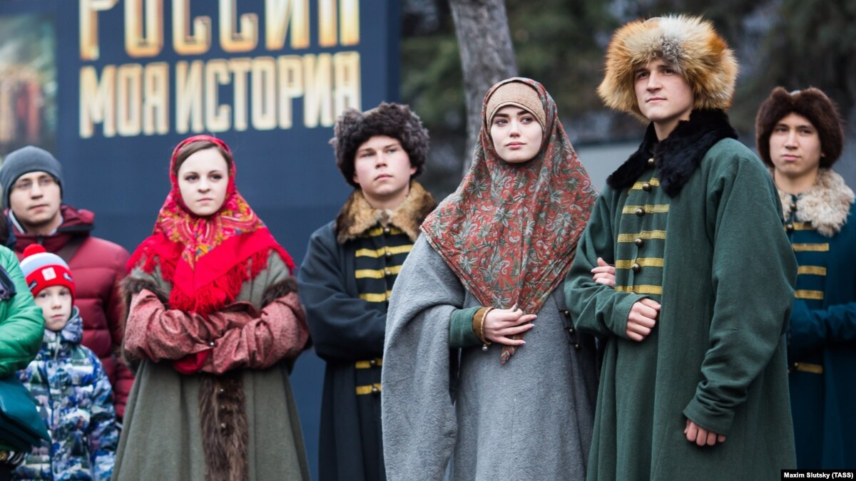 Russian 'History Parks' Present Kremlin-Friendly Take On The Past