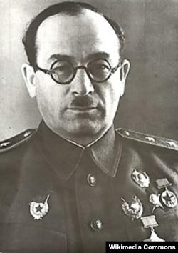 Генерал (впоследствии Главный маршал) бронетанковых войск Павел Ротмистров