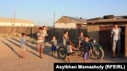 Жители села имени Комекбаева. Кызылординская область, 16 июля 2013 года.