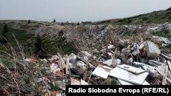 Дива депонија за градежен шут на Попова Шапка