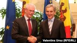 Еуропа кеңесінің президенті Херман ван Ромпей (сол жақта) мен Молдова премьер-министрі Юрий Лянкэ. Кишинев, 12 мамыр 2014 жыл.