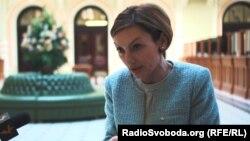 Заступниця голови НБУ Катерина Рожкова висловлює надію, що депутати і урядовці не зберігають свої кошти в російських банках