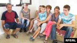 Porodica Jevtić na okupu