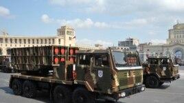 Yerevanda hərbi parad, Çin istehsalı olan WM80 raketatan qurğu, 21 sentyabr 2011