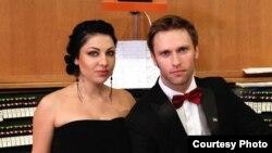 В абхазском музыкальном мире органист Лука Гаделия и певица Кристина Эшба – известные и популярные у публики исполнители. Они уже покорили сердца абхазских меломанов
