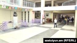Կոռուպցիոն հնարավոր չարաշահումներ մայրաքաղաքի հայտնի դպրոցներից մեկում