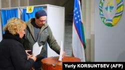 Ташкенттегі сайлау учаскелерінің бірі. 22 желтоқсан 2019 жыл.