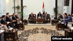 المالكي يلتقي الوفد الأميركي برئاسة السناتور ليبرمان