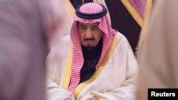 Король Саудовской Аравии Салман ибн Абдул-Азиз Аль Сауд на похоронах короля Абдуллы, 23 января 2015 года.