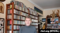 Outspoken Russian rock critic Artemy Troitsky in his Moscow apartment