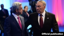 Kazakhstan - President Nursultan Nazarbayev and his Armenian counterpart Serzh Sarkisian talk during a summit in Astana, 29May2014.