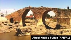 جسر دلال الأثري في زاخو