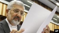 علیاصغر سلطانیه، سفیر و نماینده ایران در آژانس بینالمللی انرژی اتمی.