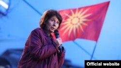 Kandidatja për presidente të Maqedonisë së Veriut, Gordana Siljanovska - Davkova, gjatë fushatës zgjedhore.